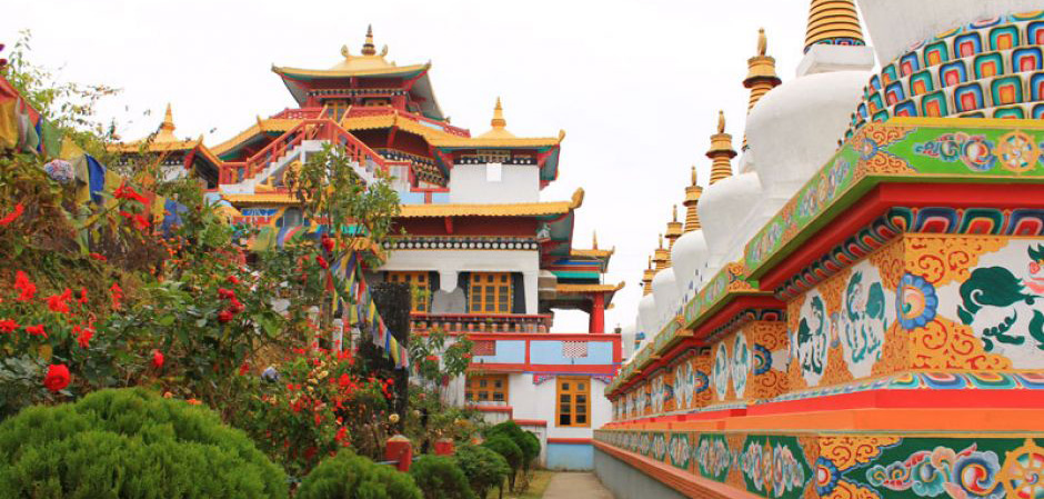 Buddhist Temple Tour Package with Darjeeling, Gangtok & East India